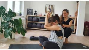 Lilly Rugg Yoga Pilates Osteopathie Münster BWS Blockade selber lösen Übungen