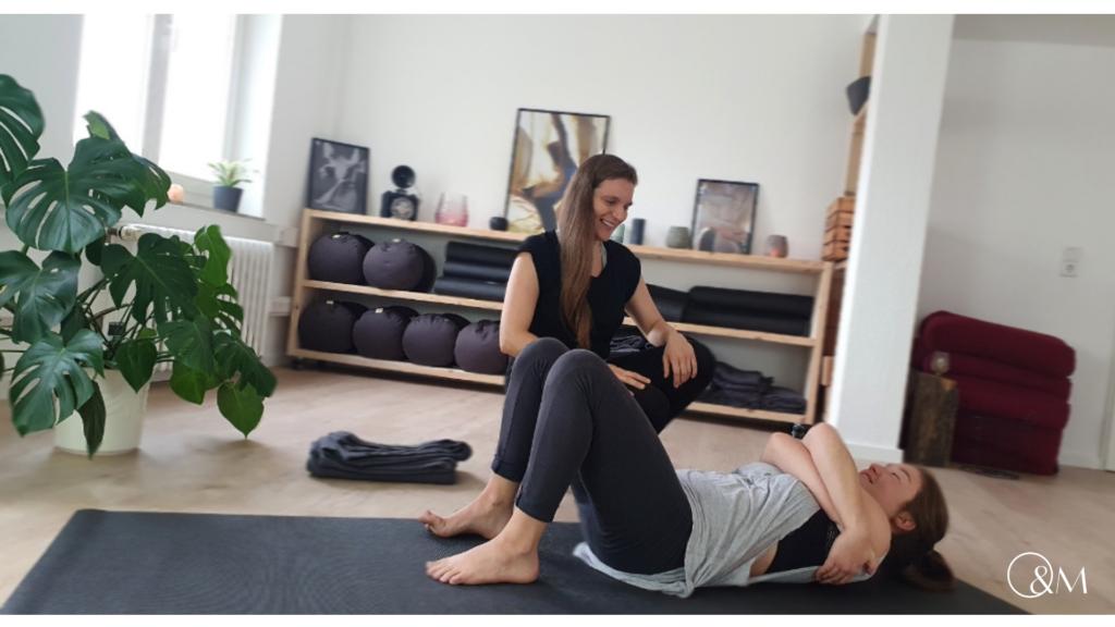 BWS Blockade zu Hause selber lösen Lilly Rugg Osteopathie Yoga Münster